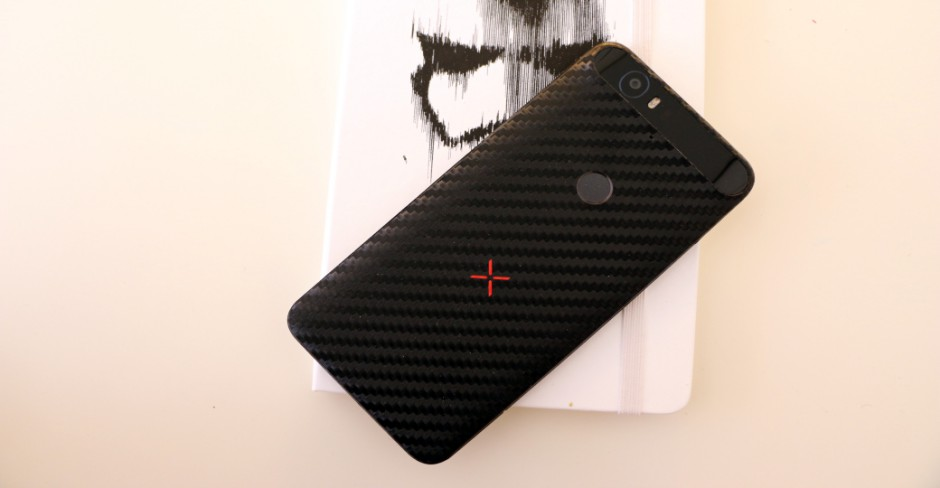 DBrand Nexus 6P fibra de carbono 10