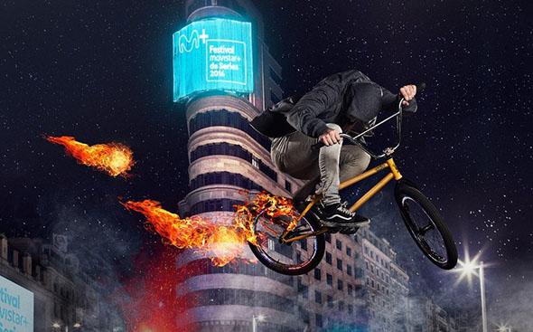 ¿¿¿Sera uno de los niños de Stranger Things en bicicleta???